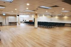 1_L107_活動室可容納120人